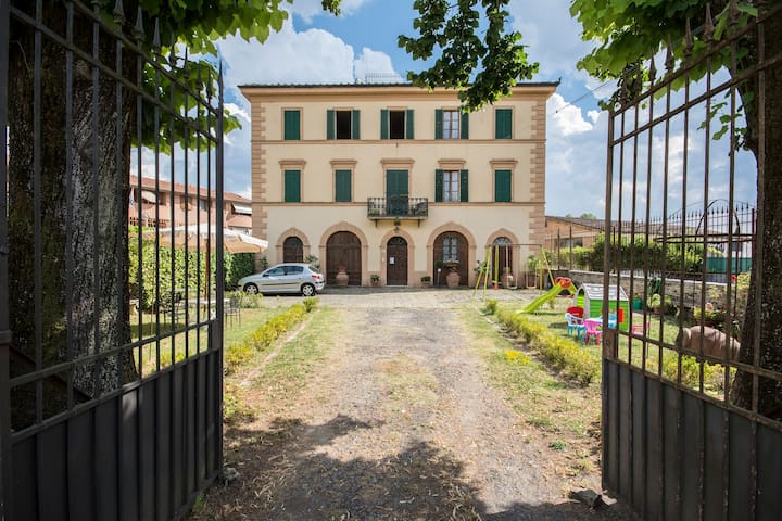 Double room in ancient villa - Sant'Andrea A Montecchio - Apartamento