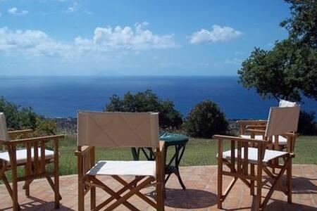 Silence, peace, nature, for 2 , Tropea