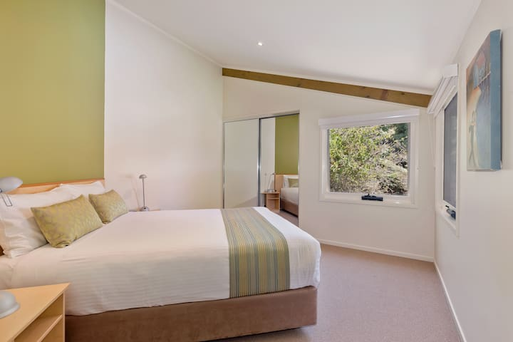 Tree Top Villa at Tathra Beach House - Tathra - Vila