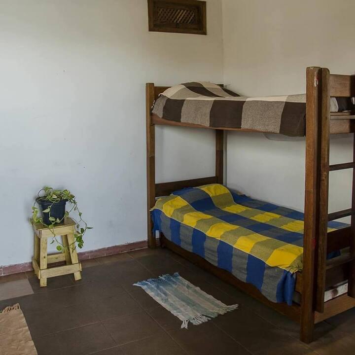 PACIENCIA cama N°3  quarto compartilhado