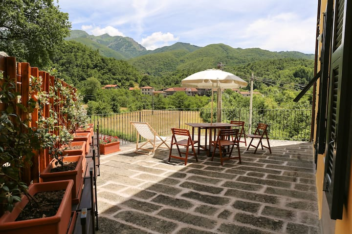 Enchanting apartment for 2 with view on Appenini