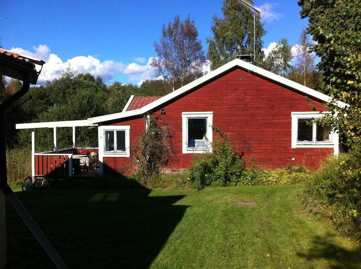 Mysigt hus i Stockholms skärgård.