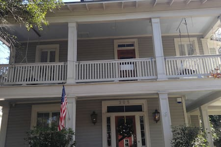Historic Charm with Pool and Hot Tub! - Mobile