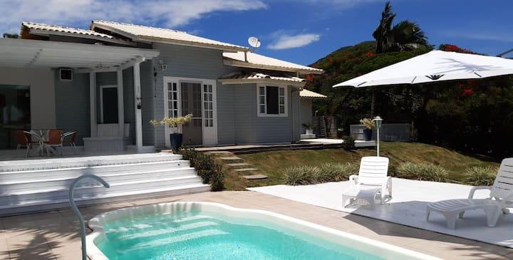 Casa com piscina privativa 10km de Jurerê Intern.