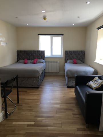 Studio Elephant and Castle, sleeps upto 3 people