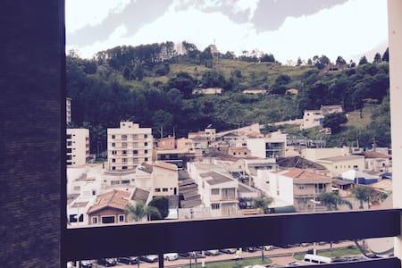 Apartamento no centro - Serra Negra