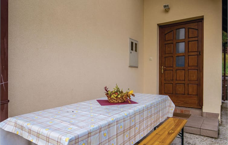 Holiday cottage with 3 bedrooms on 69m² in Ravna Gora