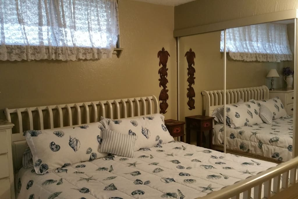 King sleigh bed with memory foam mattress.