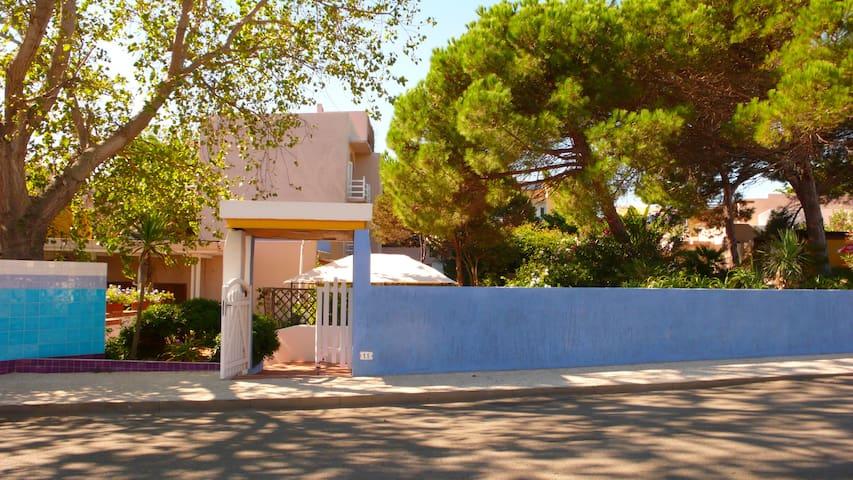 moderne camere  con bagno privato - Santa Teresa Gallura - House