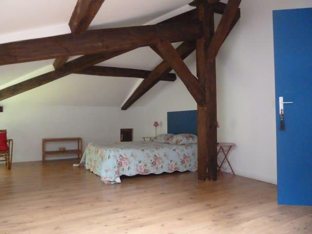 La Palombiere Chambre bleue - Linxe - Bed & Breakfast