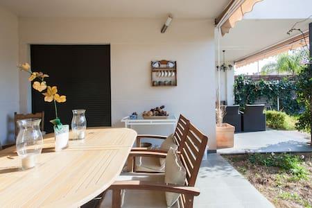 Room two beds in villa (3) - L'Eliana