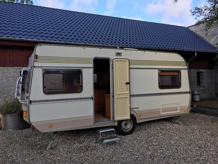 Campingvogn på landet
