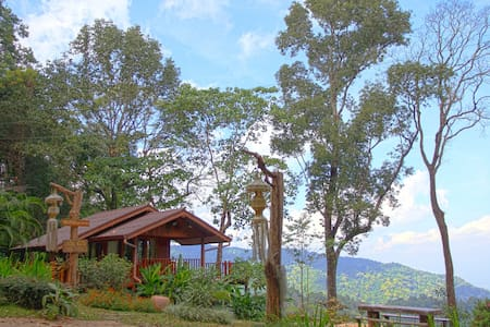 Cozy Cabin w/ Breathtaking View! A - Chiang Dao District, Chiang Mai, Thailand - Stuga