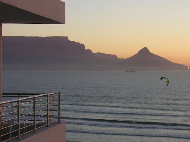 Cape Town Beachfront: Views Views!!