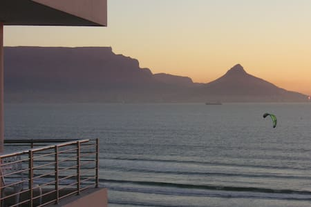Cape Town Beachfront: Views Views!! - Kapstaden