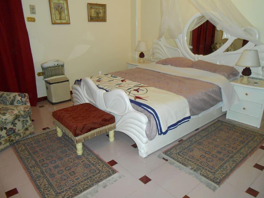 Main double bedroom in Hathor apartment
