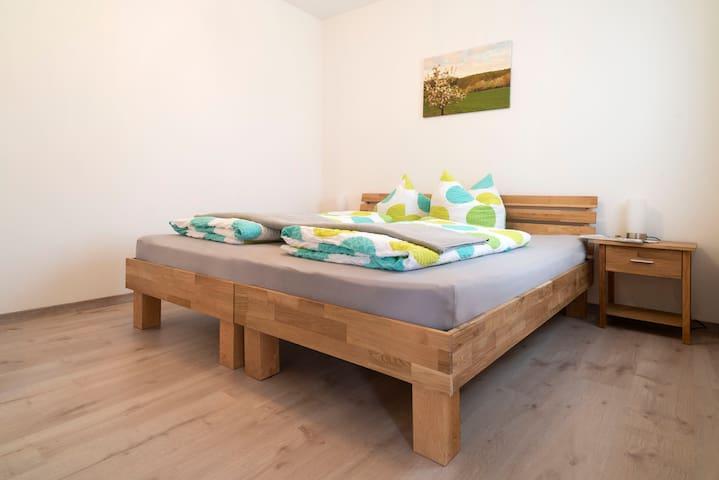 Schlafzimmer als Doppelbett - Erdgeschoss