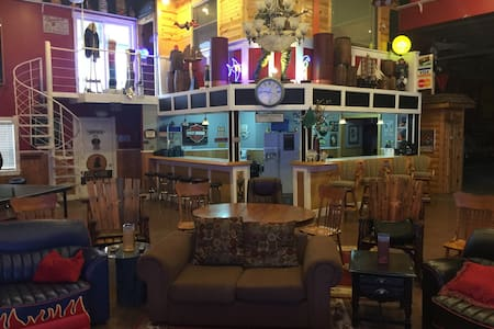 Ultimate Mancave/Party Barn + Cabin - Noblesville - Other