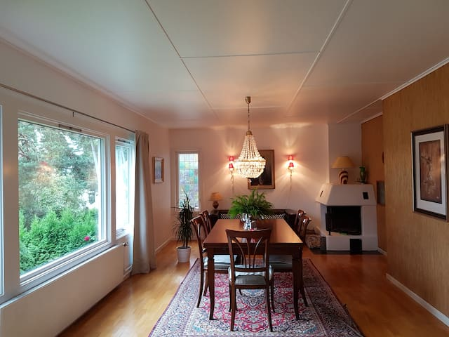 House in idyllic location, 5 min drive from center
