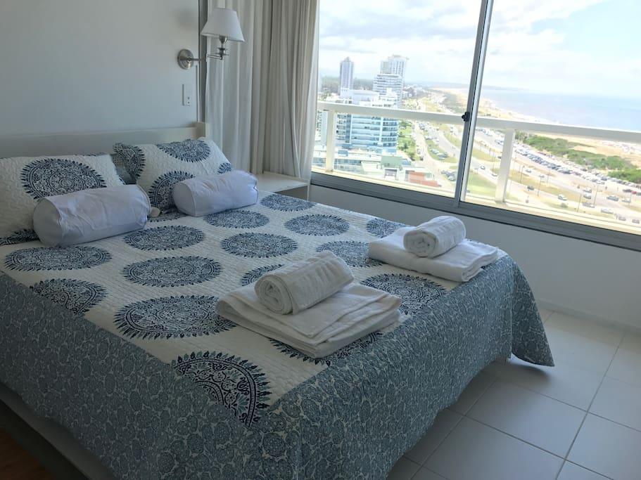 Cuarto principal / Master bedroom