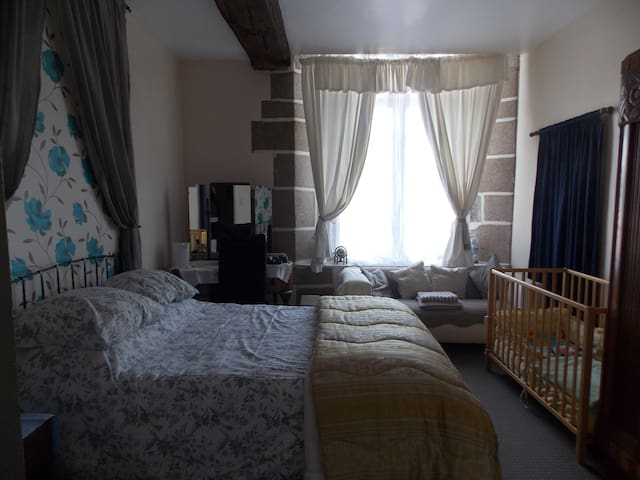 Rooms 1 & 2 FAMILY SUITE - Bazouges-la-Pérouse