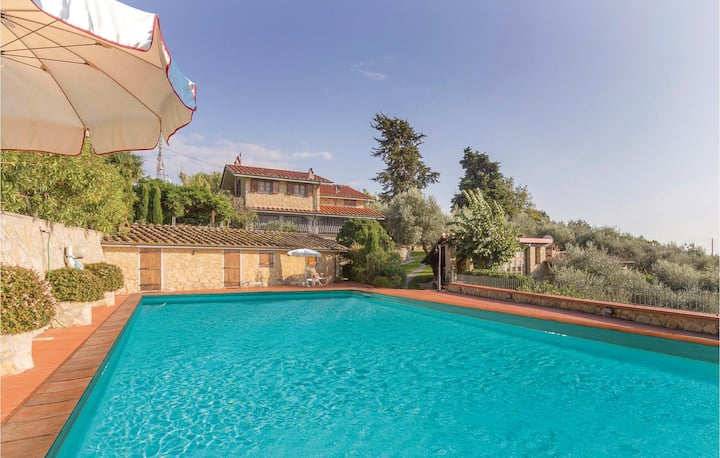 Nice home in Camaiore LU with Outdoor swimming pool and 2 Bedrooms
