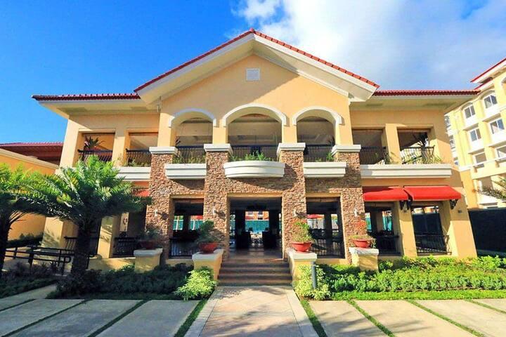 Comfy Suite at Resort Inspired Condo, Cebu City