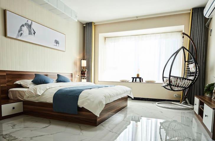 【素识·以梦为马】宏程国际广场日式主题公寓 近理工大学义乌 怀旧蓝光DVD 进口乳胶静音床垫