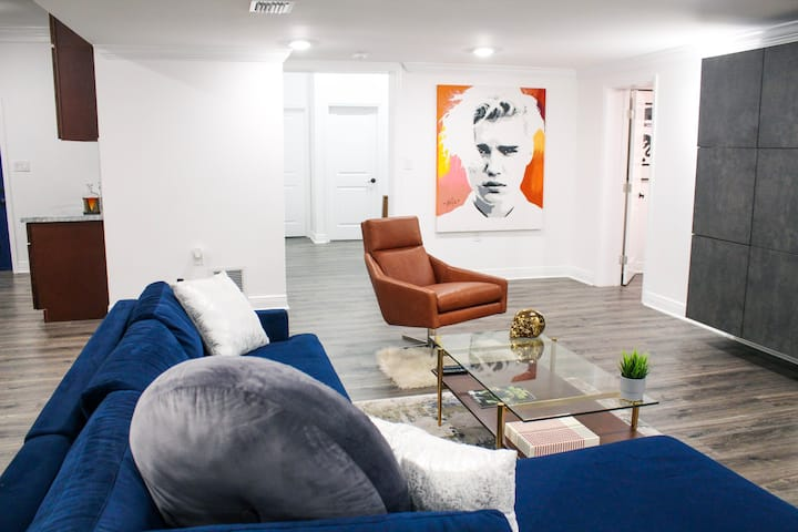 Spacious Modern Art Gallery Inspired Queen Suite