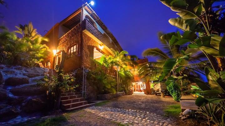 1. CAGUAMA SUITE at Casa Tortuga