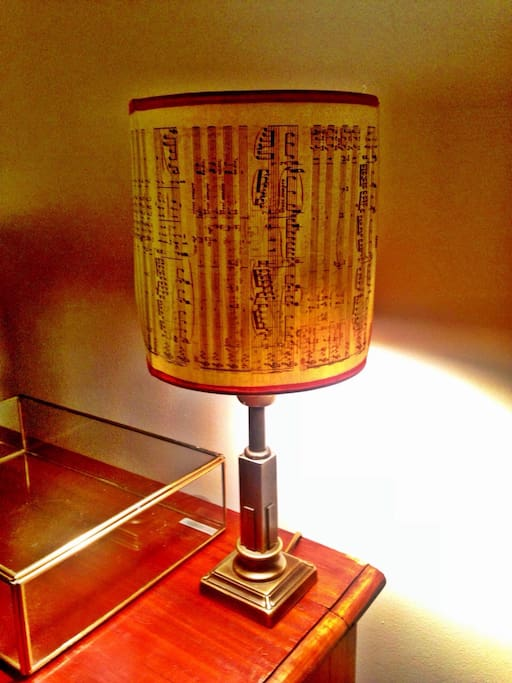 Tiny musical lamp made with love...