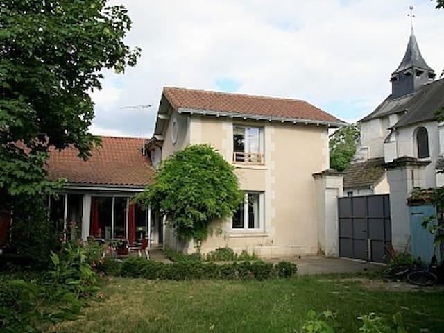 Architect house near Futuroscope - Cenon-sur-Vienne - House