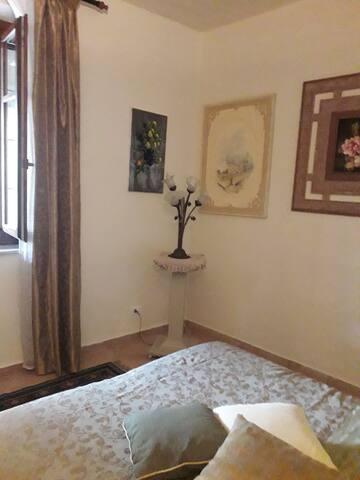 Camera da letto N2 - 1° Piano