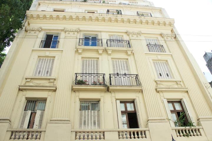 Gorgeous Apartment-Best Location