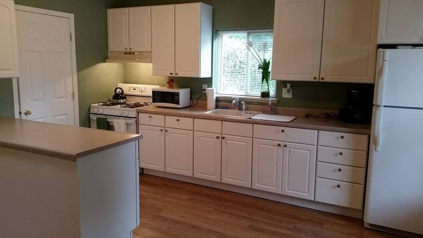 Cottage at Willow Corner - Grants Pass - Guesthouse