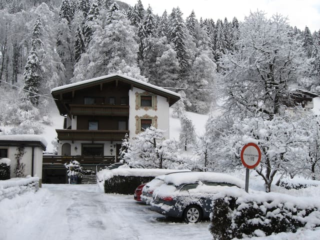 Tiroler Gästehaus  DORIS