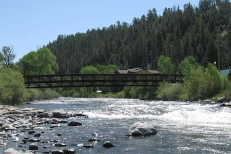 Downtown Log Cabin At River/Springs - Pagosa Springs