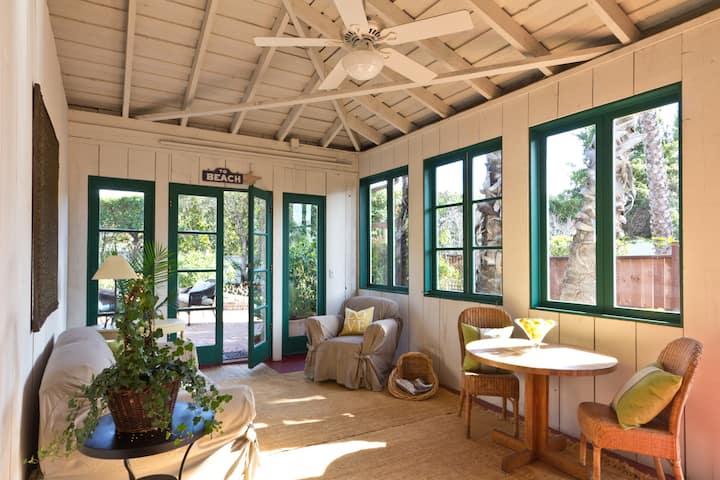LEMON Grove Cottage Central Location $180