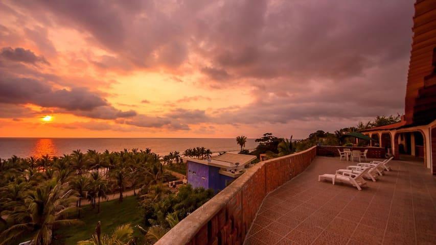 2. The CAREY SUITE at Casa Tortuga - Playa Litibu, Higueria Blanca, - Rumah