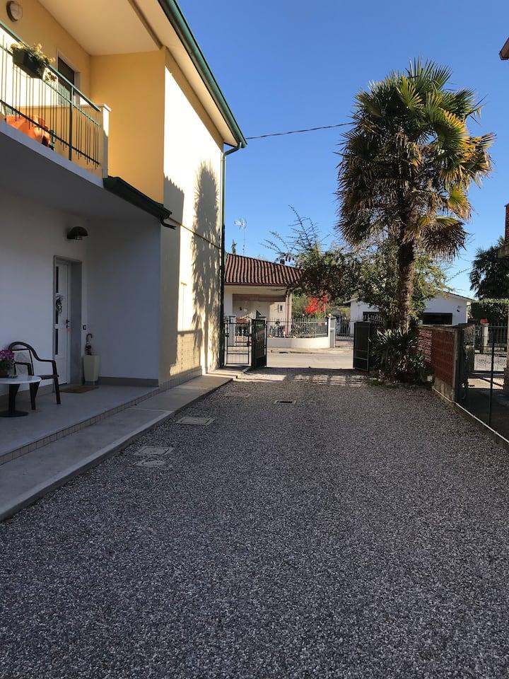 Camera singola con terrazzo - D1