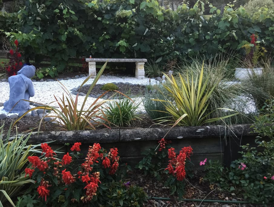 Welcome to my garden, relax and enjoy one of the most tranquil spots in Paihia.