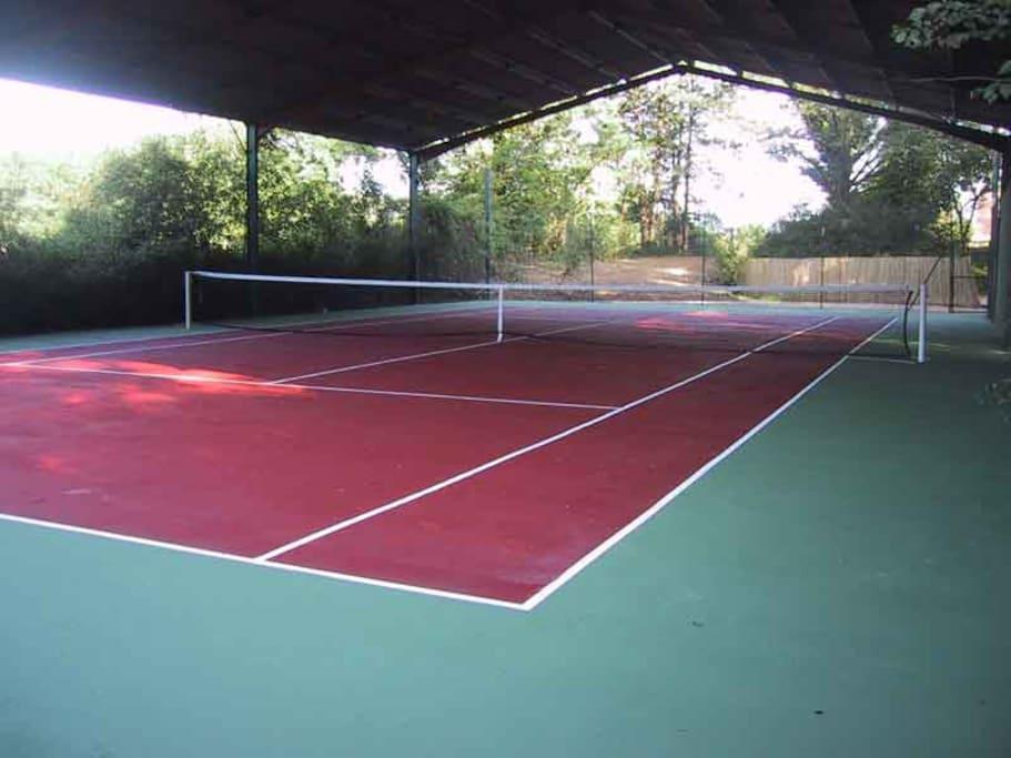 Le tennis couvert