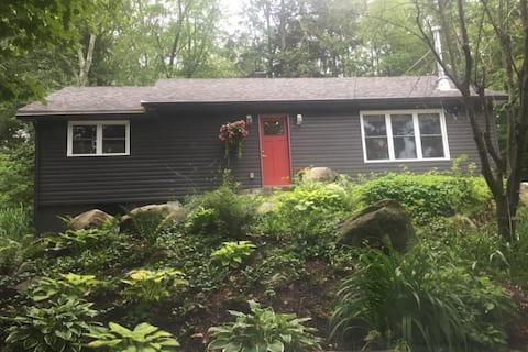 Muskoka Port Carling Home/Cottage on Silver Lake