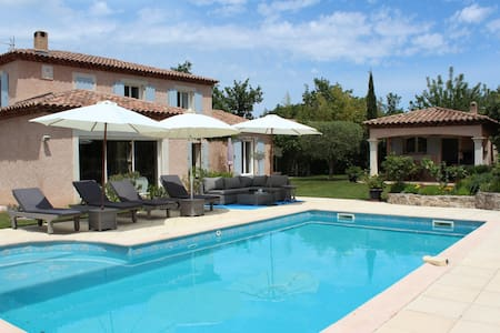 In the heart of the green Provence - Forcalqueiret - Hus
