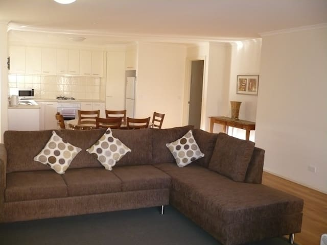 Kennedy 3 Bedroom Resort Apartment - Mulwala - Appartement