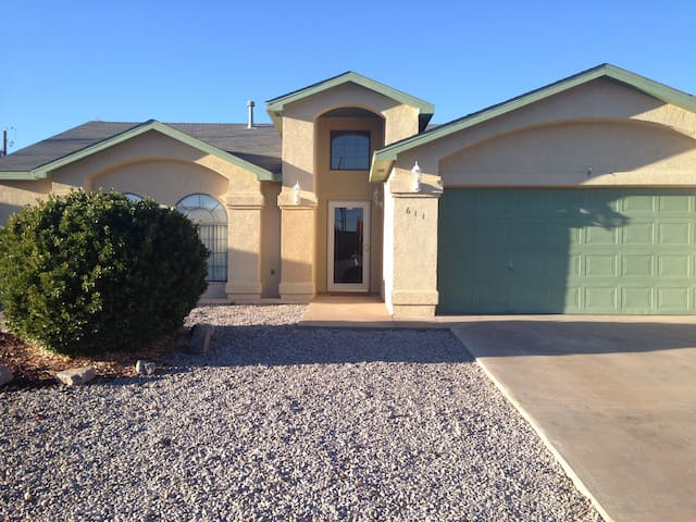 Welcome Home - Alamogordo - Rumah