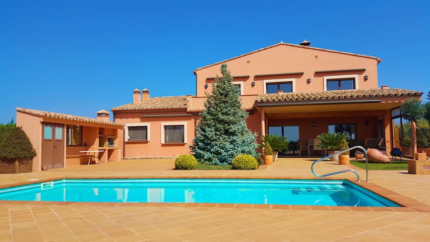Schöne Villa mit Pool - Peralada - Huis