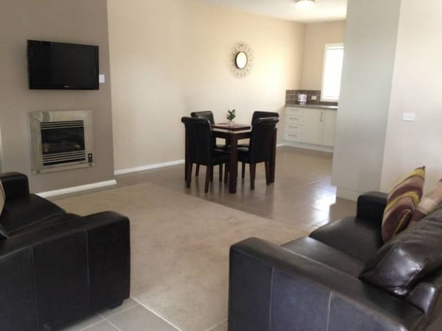 Kennedy 2 Bedroom Villa - Mulwala - Appartement