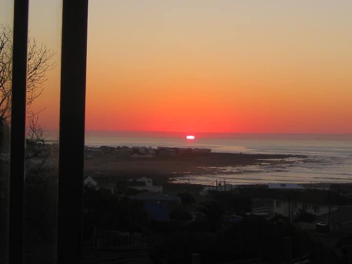 Sunrise Holiday Cottage @ AgulhasBestView