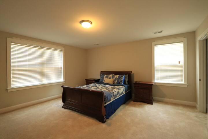 1 Queen Bedroom w/ Bathroom (Heart of West Ashley) - Charleston - Casa